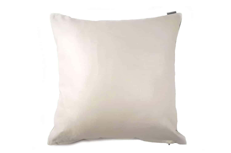 フィスバの爽やかな白が際立つオリジナルサイズクッションカバー 45×45