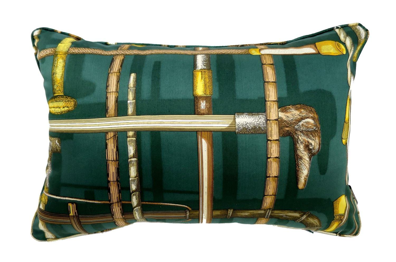 超希少ピエロフォルナセッティI BASTONIグリーンデザインのヴィンテージ生地クッション 45×30