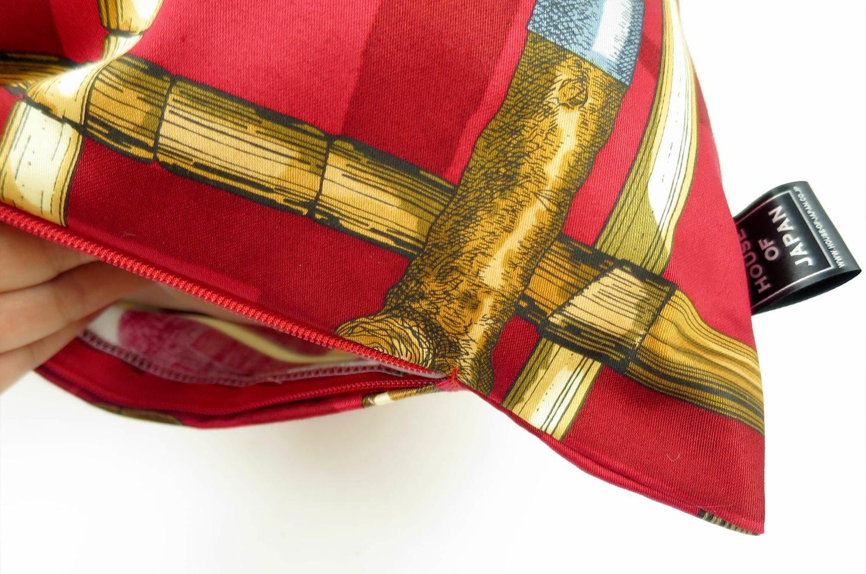 The Fornasetti ピエロフォルナセッティヴィンテージファブリッククッション I BASTONIレッドデザイン 58×38cm 中材付