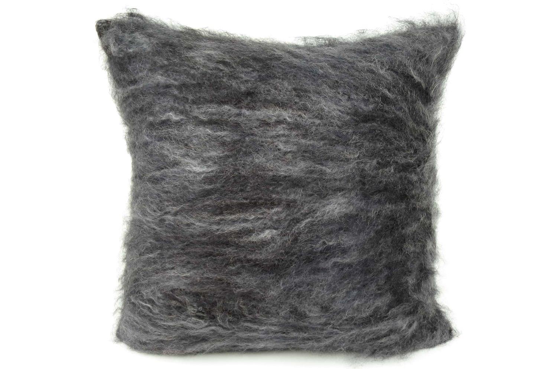 グレー&シルバーミックス 超希少なキッドモヘアを贅沢にあしらったBALMUIRクッションカバー 50×50