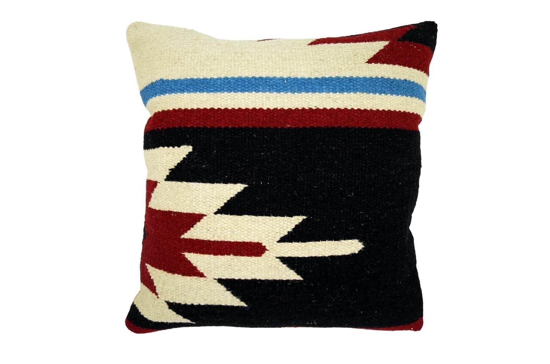 ざっくりと太めのウール糸で編んだ人気ネイティブ柄クッション 46×46