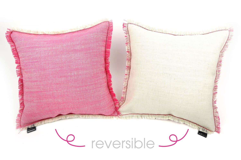 見て納得の高級感ROMOざっくりピンク&ホワイトリバーシブルクッション 32×32