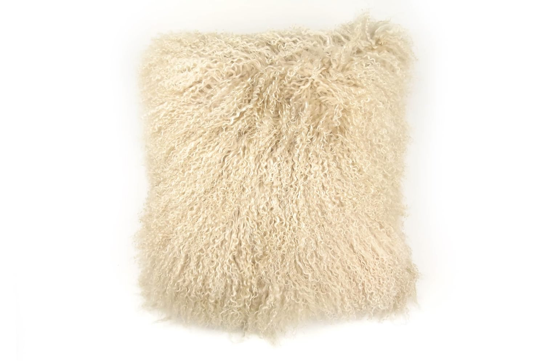 抱きしめて至極の肌触りを!贅沢両面チベットラムバニラ色クッションカバー 45×45