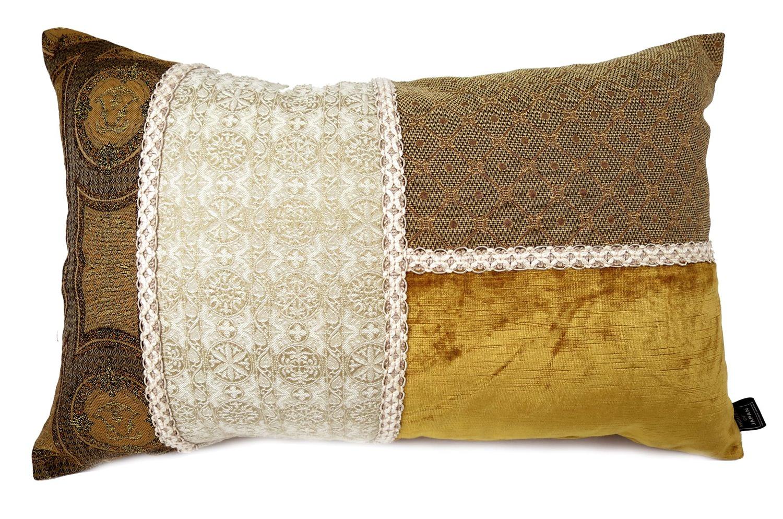 贅沢な厚地ベージュのヴィンテージ生地でキルト風な横長クッション 58×38