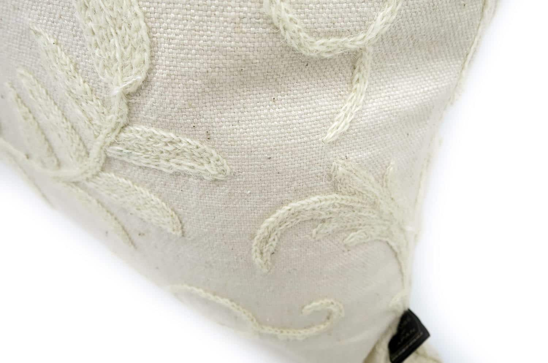 The Vintage ナチュラルウールホワイト刺繍ヴィンテージクッションカバー 45×45cm