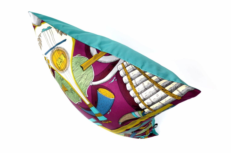 The Fornasetti ピエロフォルナセッティ&ジムトンプソンファブリック楽器柄ヴィンテージクッション パープルNo.03 50×50cm 中材付
