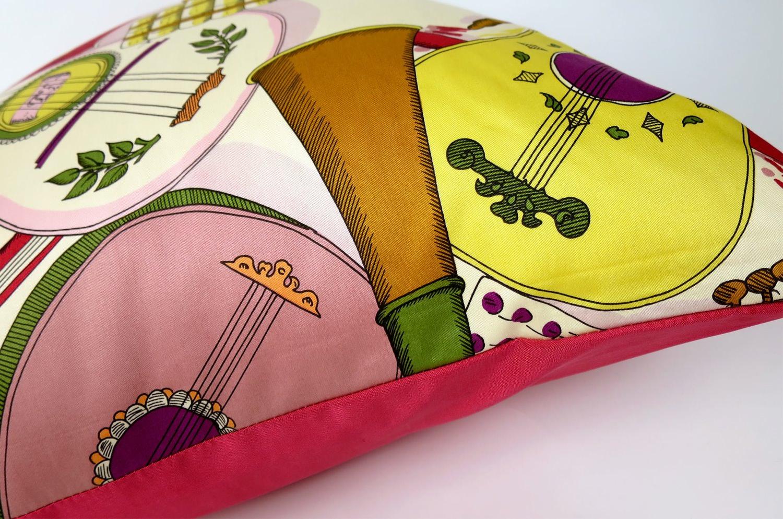 The Fornasetti ピエロフォルナセッティ&ジムトンプソンファブリック楽器柄ヴィンテージクッション ベージュNo.01 50×50cm 中材付