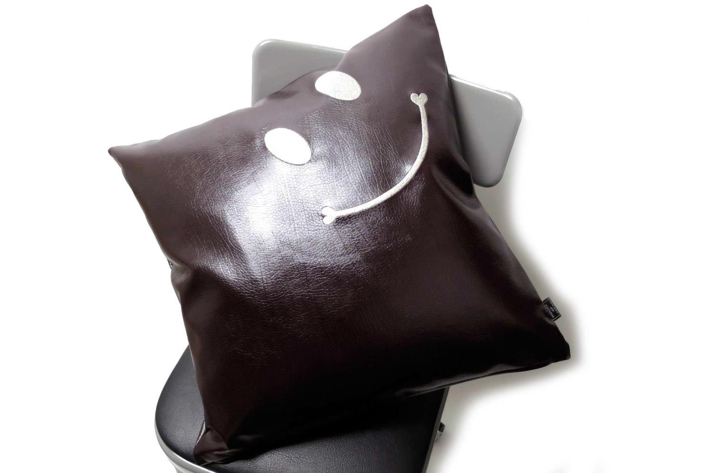 The Smile スマイル キュートシルバースマイル 『ニコフェイス®』刺繍クッションカバー インポートダークブラウン 45×45cm