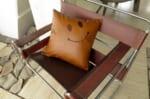 スマイル 『ニコフェイス®』/キュートでカッコいい!スマイル 『ニコフェイス®』刺繍茶系クッションカバー 45×45