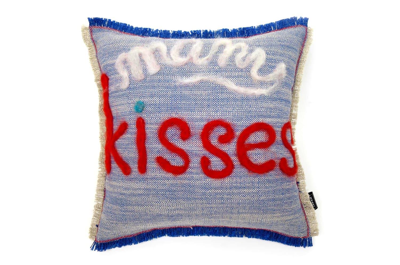 The Message - many Kisses ハンドメイドメッセージクッション ブルー 35×35cm 中材付