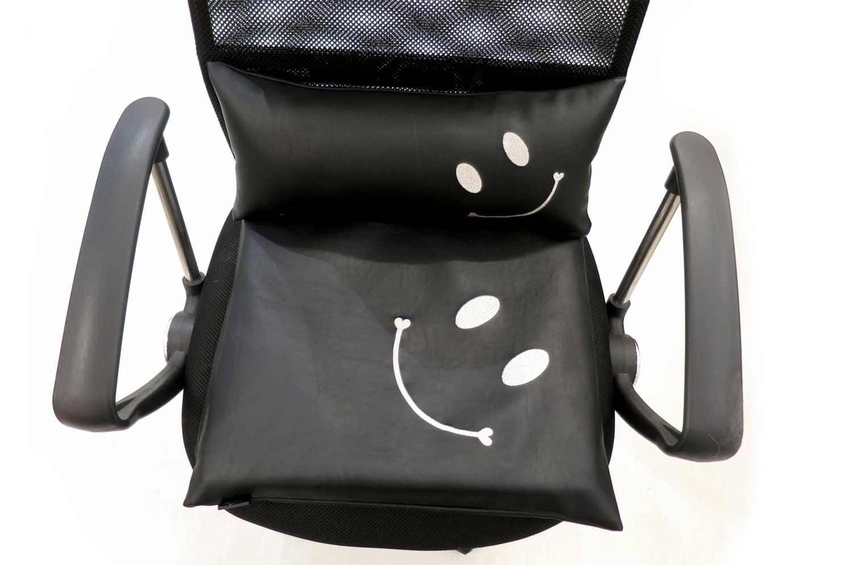 スマイル 『ニコフェイス®』/お尻と腰をサポート!お仕事クッション2点セット 『ニコフェイス®』シルバー刺繍(低反発+ポリエステル)