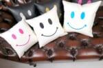 The Chibi Smile チビスマイル キュートブラックスマイル 『ニコフェイス®』刺繍クッション ホワイト 34×34cm 中材付