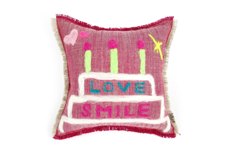 The Message - Cake LOVE SMILE ハンドメイドメッセージクッション レッド 35×35cm 中材付