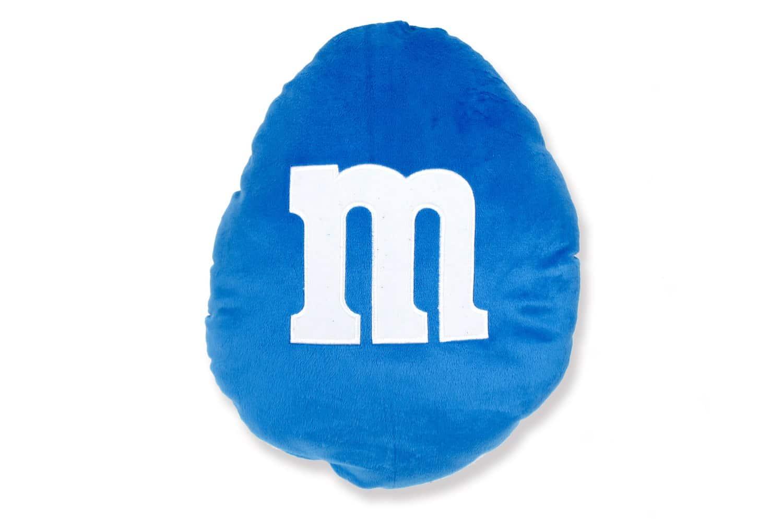 ふかふかしてて触り心地も抜群のM&M's(エムエアンドエムズ)ラウンドクッション 36cm Blue