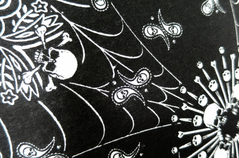 ハバハンク バンダナ生地 ペイズリークッション HAV-A-HANK PAISLEY Skulls & Flames 50×50