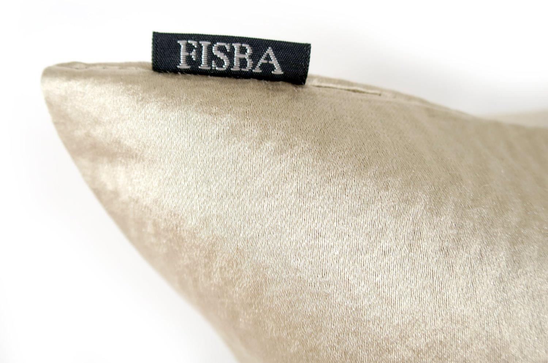 フィスバの気品あふれる艶めくゴールドベージュ GALANT クッションカバー 45×45