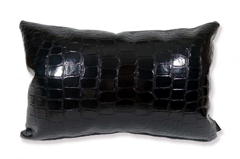 The ALDECO Enamel Crocodile アルデコエナメルクロコダイル柄クッション ブラック 45×30cm 中材付