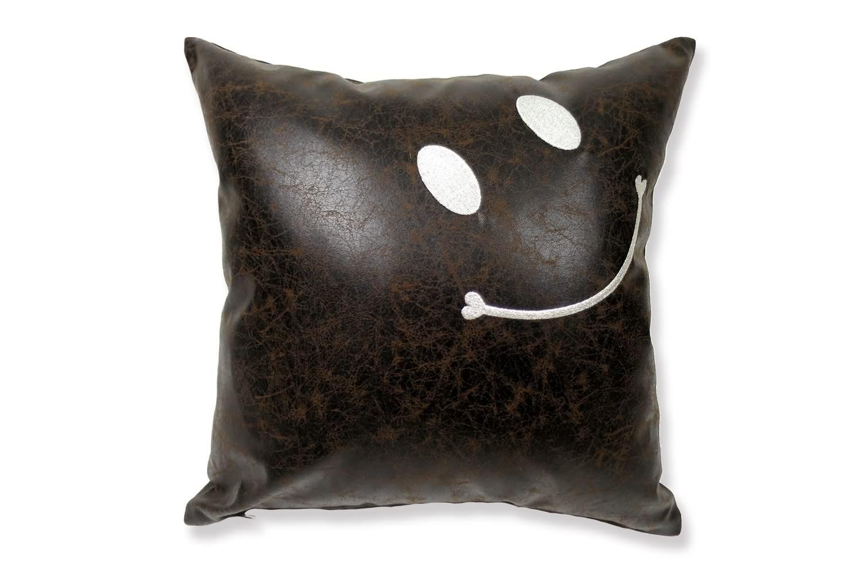 The Smile スマイル キュートシルバースマイル 『ニコフェイス®』刺繍クッションカバー ダークブラウン 45×45cm
