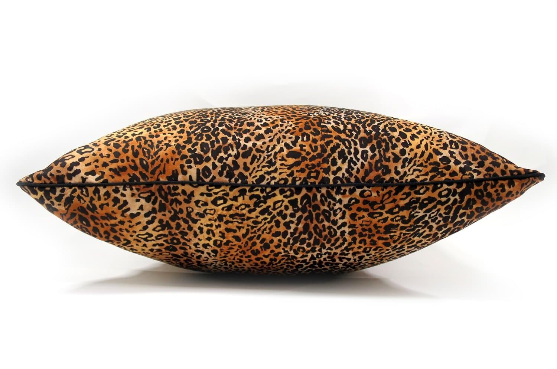 The Light Leopard スタイリッシュなヒョウ柄クッションカバー 45×45cm