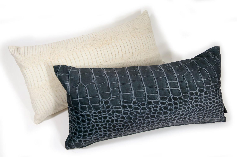 rioma スペイン製 起毛スエード調 クロコ Black クッション 50×25 中材付