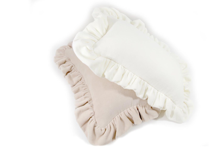 towelwhite-frill
