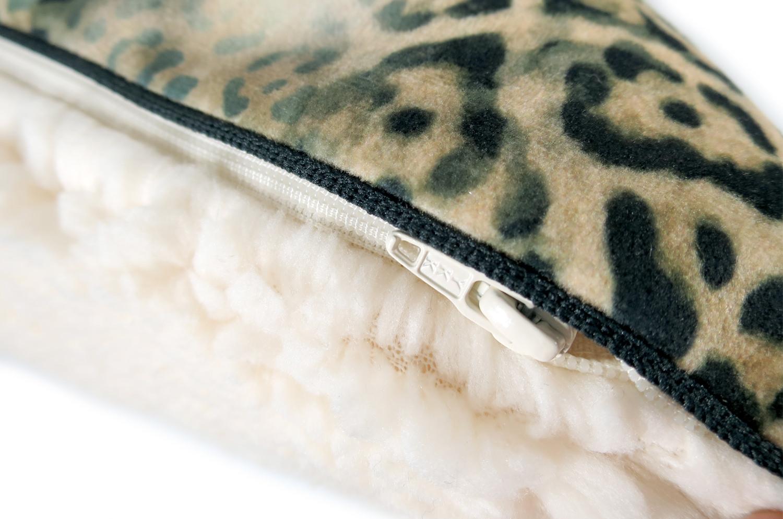 ヒョウ柄 クッションカバー  スペイン起毛スエード調×柔らかボア 45×45