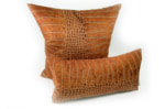 スペイン製 起毛スエード調 クロコダイル柄 ライトブラウン クッション 50×25 中材付