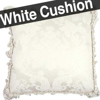 しっとり素材の白ダマスク柄に贅沢ゴールド色トリムをダブル使いのビンテージ生地高級クッションカバー45×45