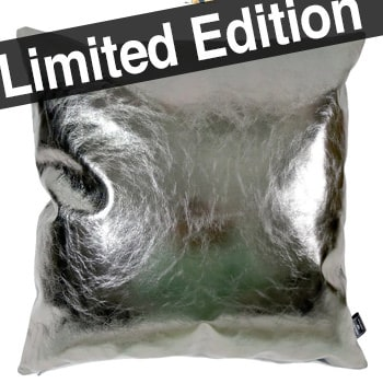 革メタルシルバー箔の光沢が美しい希少なクッション 45×45