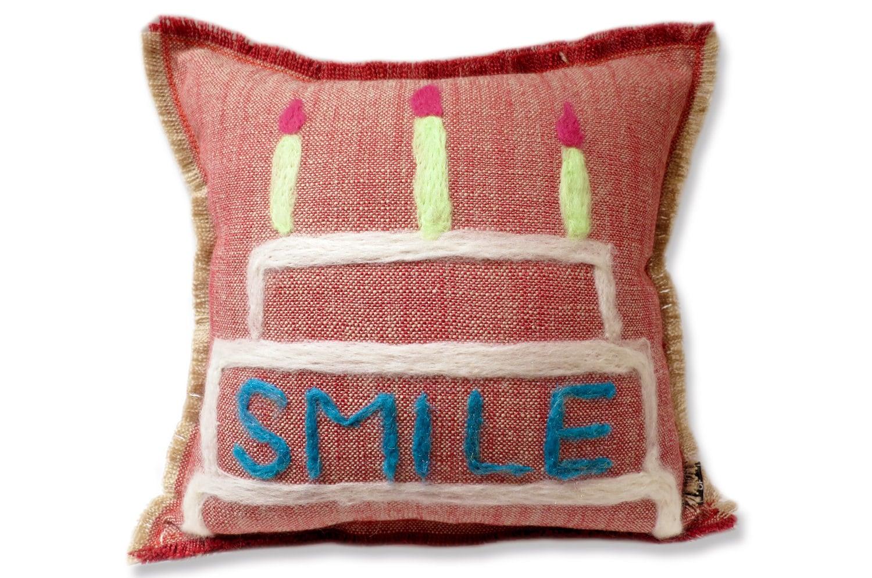 ケーキにSMILEのメッセージクッション♪手作りの優しさをプレゼントに 35×35cm