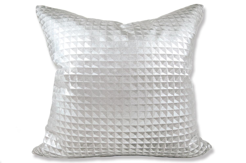 Moonlit Pyramid Silver クッションカバー 50×50cm