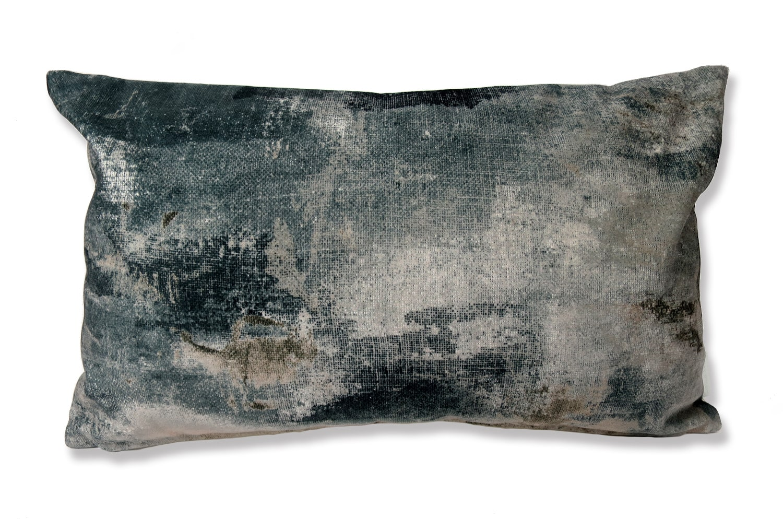 The Gray Fluid スペイン製 起毛スエード調クッション グレー 50×30cm 中材付