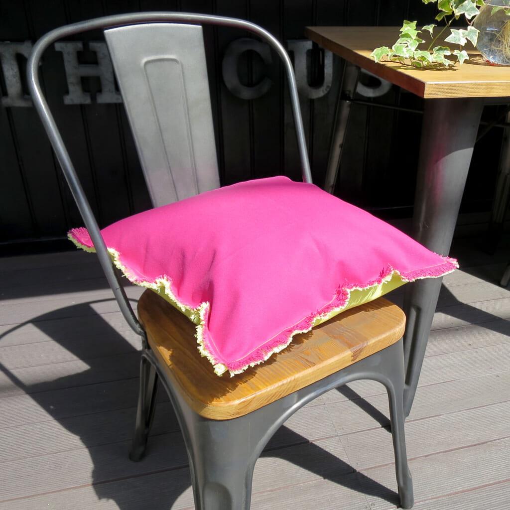 アウトドア 撥水加工 ピンク×イエロー クッションカバー 40×40cm