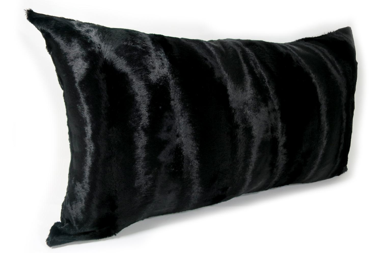 The Wolf 至極の手触りエコファークッションカバー ブラック 65×35cm 中材付