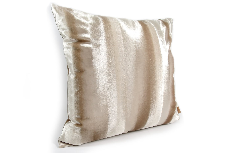 The Shiny Velvet Stripe シャイニーベルベットストライプクッションカバー ベージュ 50×50cm