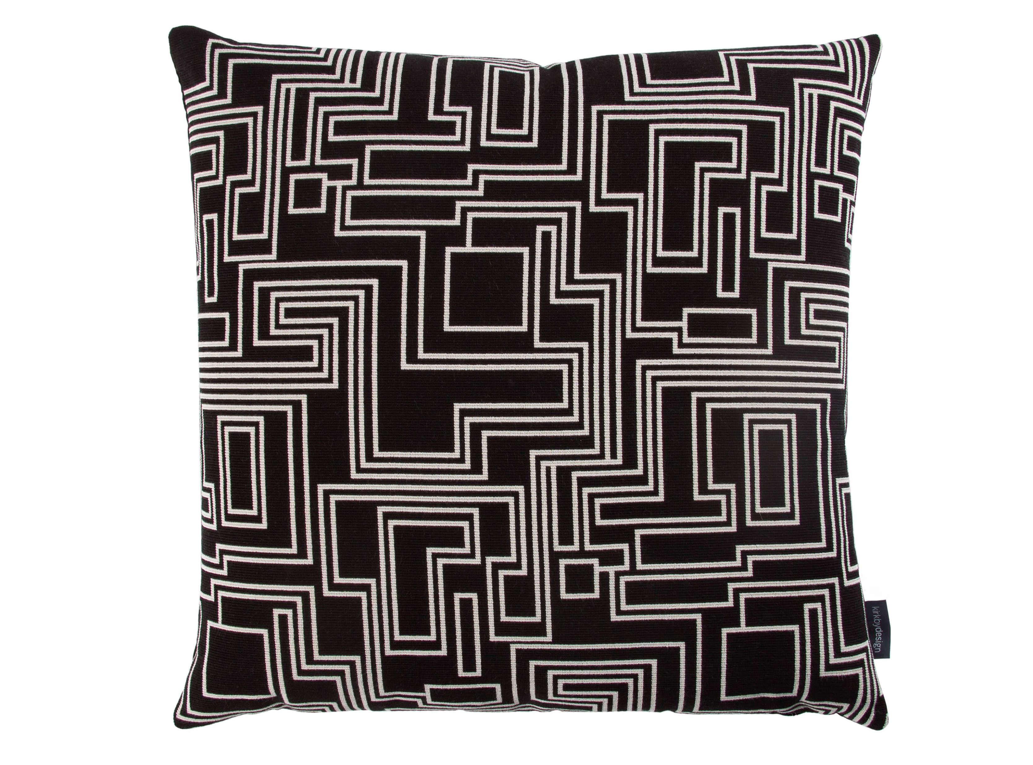 【海外取寄品】The Electro Maze クッション Noir by kirkbydesign 50×50cm 中材付